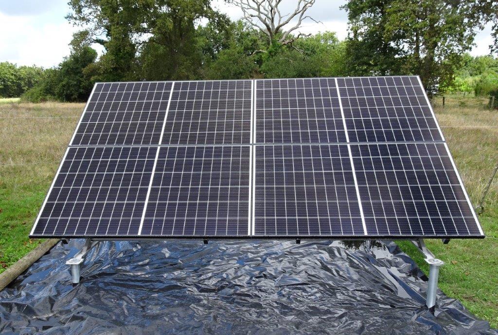 Fixation au sol pour panneaux photovoltaïques